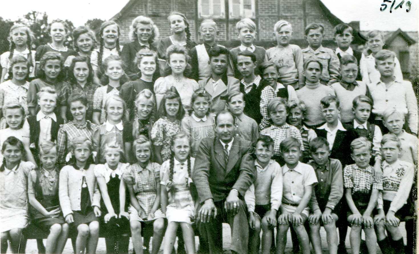 ca. 1950 Schule mit Ortmann