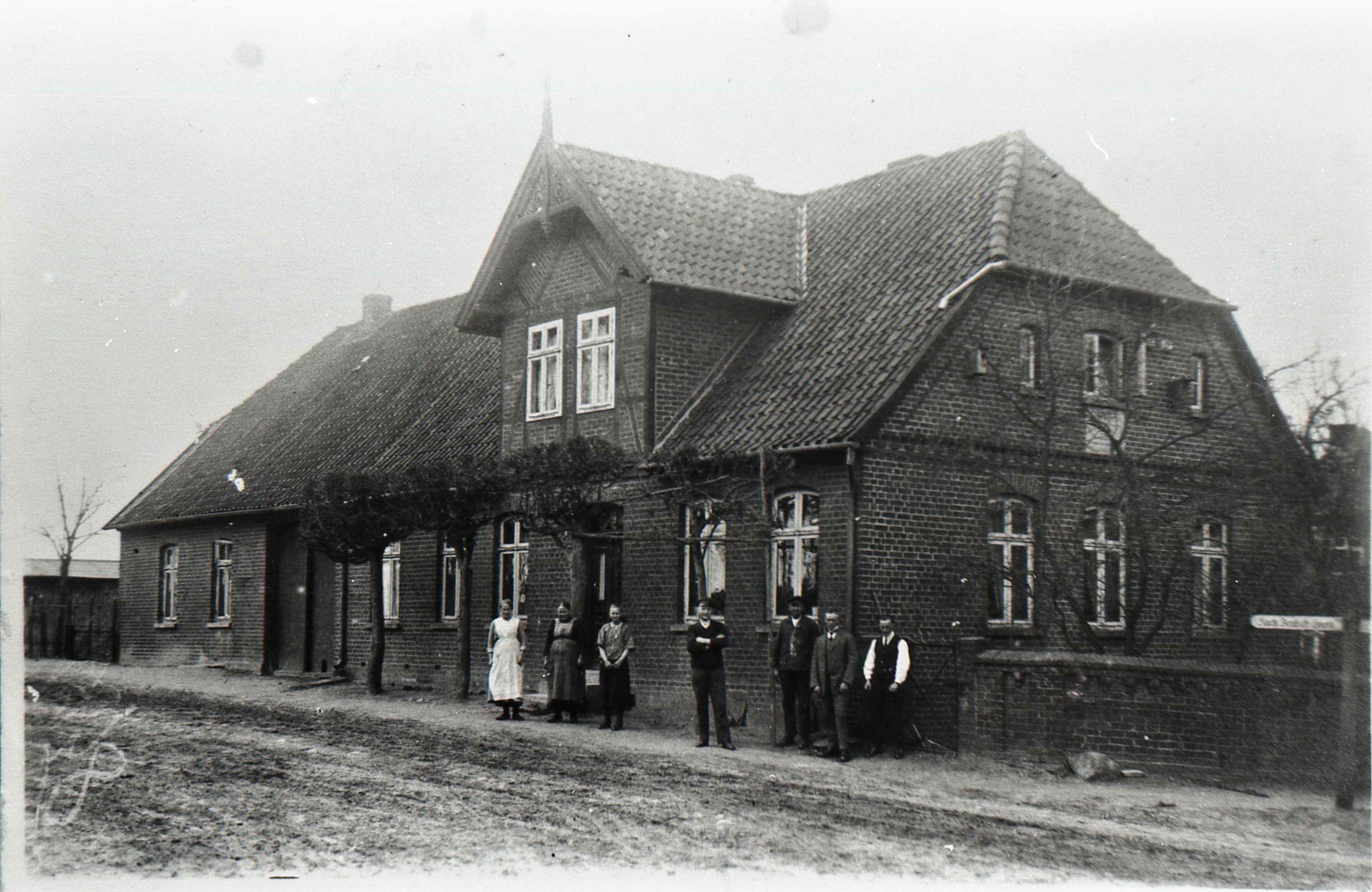 Dorfstraße 18