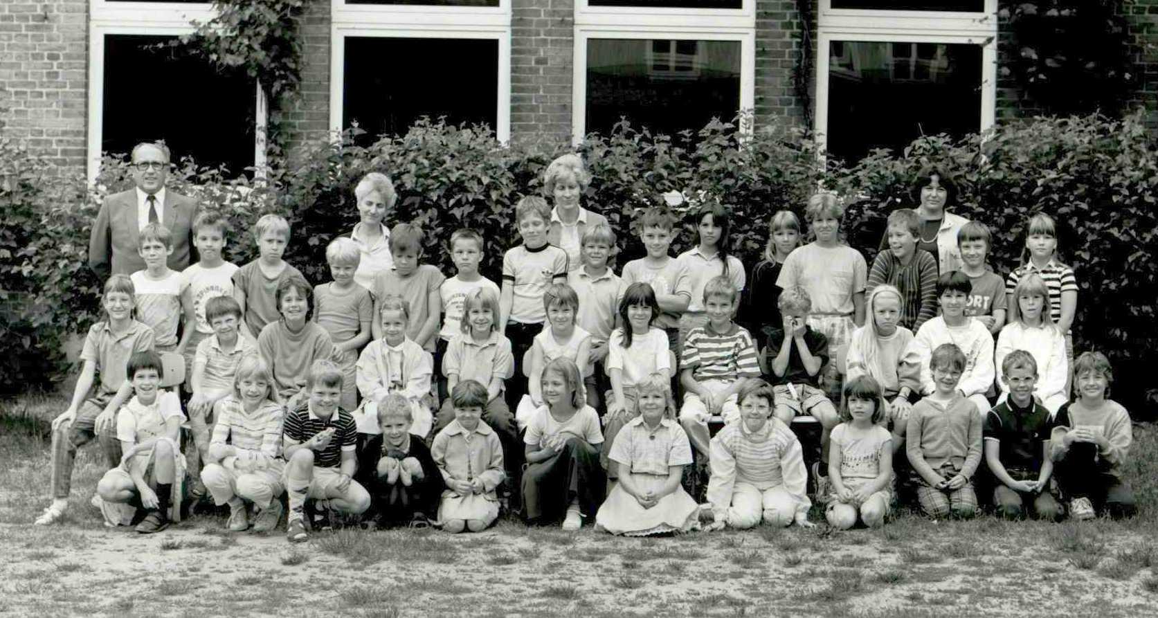 Schueler 1986